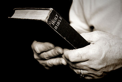 orig_hands_holding_bible_1.jpg